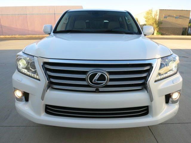 عرض البيع 2013 لكزس LX 570 أبيض
