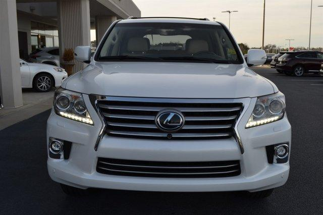 Like New 2014 Lexus LX570