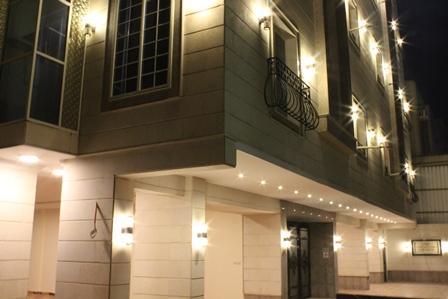 عماره استثمارية جديدة للبيع حي السلامة 18 شقة على شارعين
