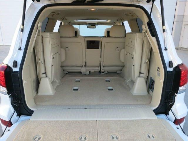 2013 ليكسوس LX 570 للبيع من قبل المالك.
