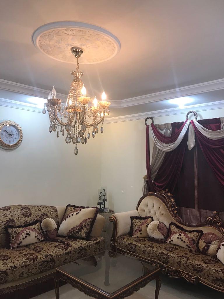 شقة للبيع بحي الزهراء خمس غرف قريبة جدا من طريق الامير سلطان